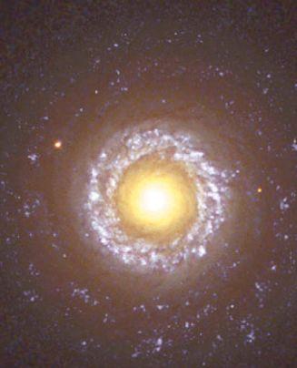 Активная галактика спирального типа NGC 7742 в созвездии Пегаса